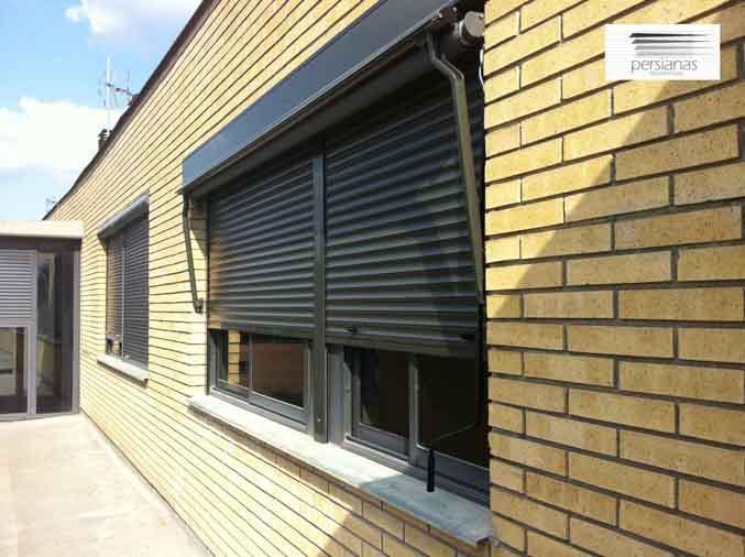 Lamas de aluminio para fachadas trendy techos en tablilla - Lamas persianas aluminio ...
